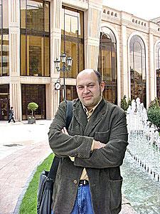 El poeta asturiano Fernando Menéndez.