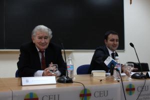 Antonio Gamoneda y Marcos Canteli, en la Duke University (Madrid).