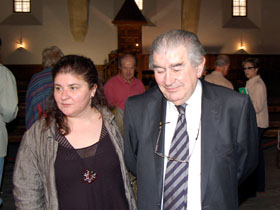 Antonio Gamoneda con su hija Amelia.
