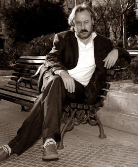 Julio Llamazares (2004). ©Foto: Carrusan.