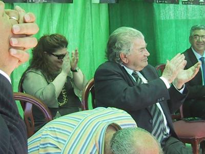 Amelia y Antonio Gamoneda aplauden a Juan Carlos Mestre.