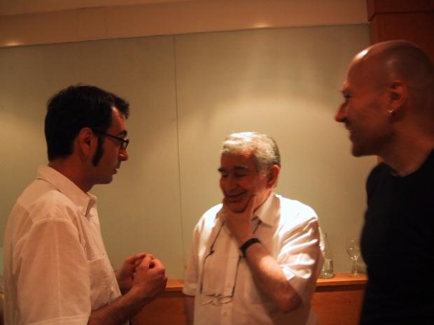 Antonio Gamoneda, con Benito del Pliego y Andrés Fisher, en la Residencia de Estudiantes de Madrid.