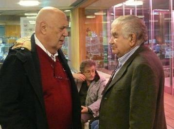 Xosé Luis Méndez Ferrín y Antonio Gamoneda, en el MUSAC (León) en mayo de 2014. © Foto: Eloísa Otero.