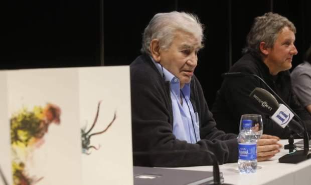 Antonio Gamoneda con un pintor segoviano /