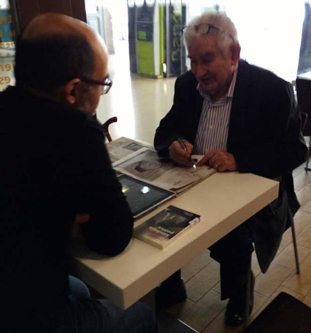 Gamoneda durante su conversación con Ángel Salguero para Poética 2.0.