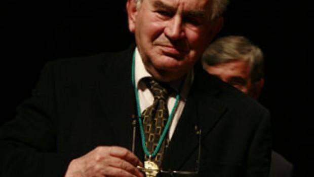 Gamoneda tras recibir la Medalla de Oro del CBA.
