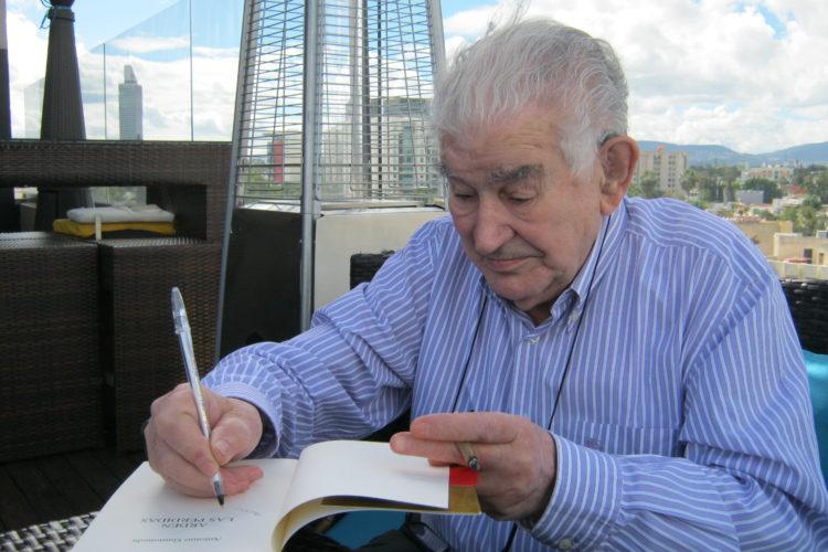 Antonio Gamoneda en Guadalajara (México). Foto: Enrique Mendoza / ZETA.