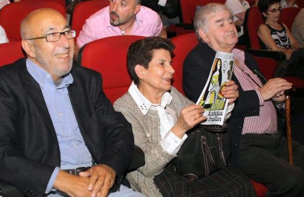 Manuel Jular, Ángeles Lanza y Antonio Gamoneda, durante un acto en León.