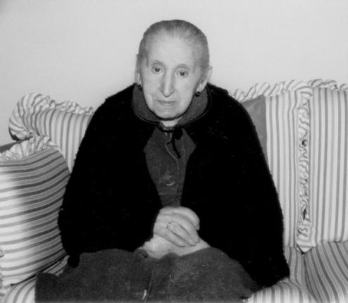 Amelia Lobón, madre de Antonio Gamoneda. © Foto: Archivo familiar.